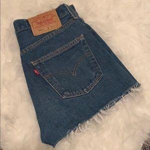 Vintage Raw Hem Levi's Shorts 501xx Size 25
